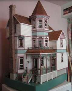 Image of Victorian dollhouse